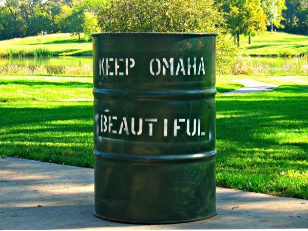 Keep Omaha beautiful. Please throw your trash away!