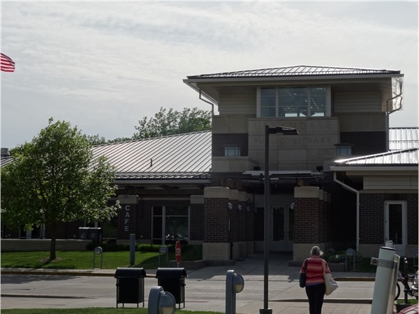 Urbandale Library
