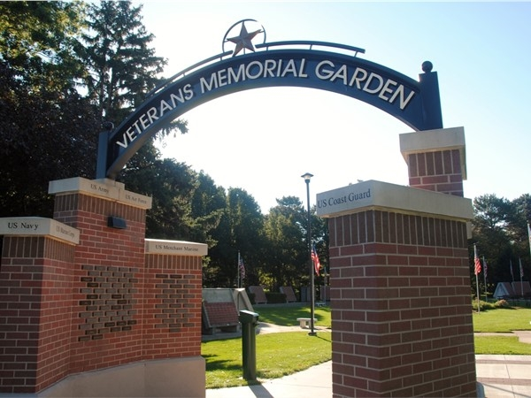 These gorgeous gardens provide a walking tour of more than 20 monuments dedicated to our veterans.