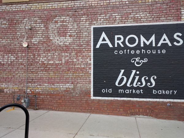 Aroma Coffee & Bliss Bakery is indeed a great combination