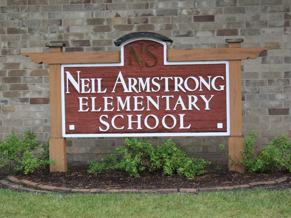 Park View has their own elementary school called Neil Armstrong Elementary. Grades K-6