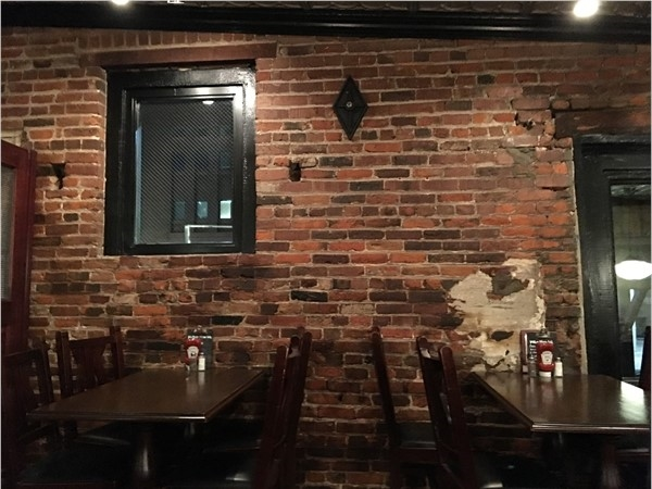 Looking for a place to eat downtown? Leadbelly is a fun and great place to eat