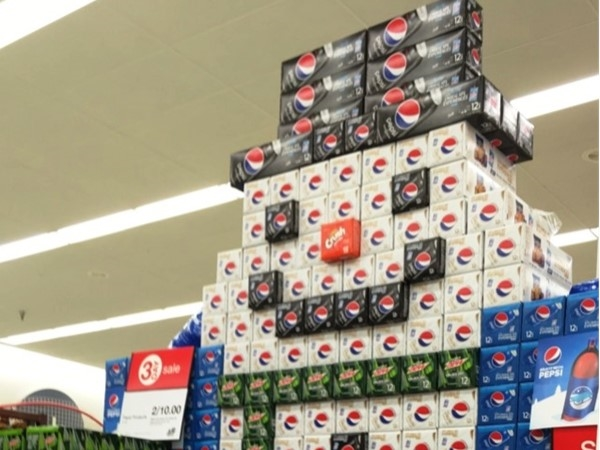 Local grocery displays put you in the Holiday spirit. Love this!  Well done Pepsi