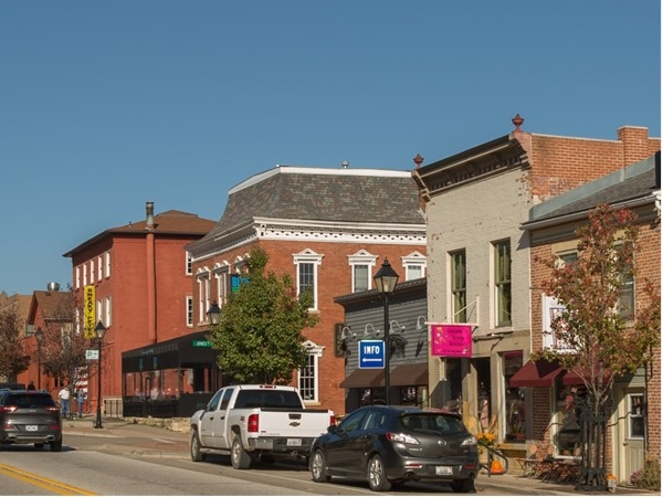 Downtown Le Claire
