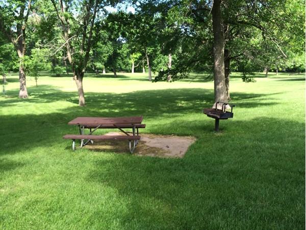 Picnic bench in Heritage Park