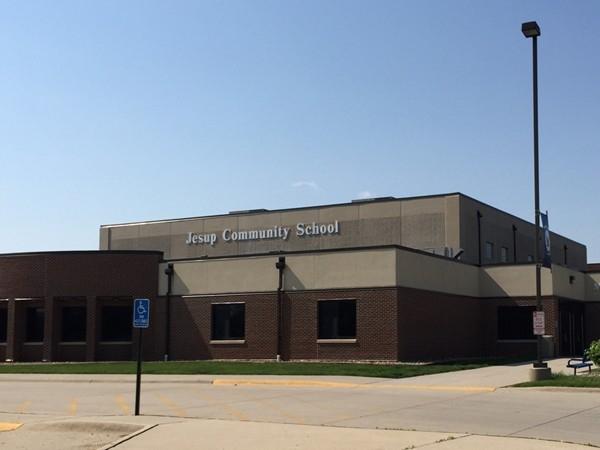Outstanding school serving Jesup and surrounding rural area. Preschool-Grade 12