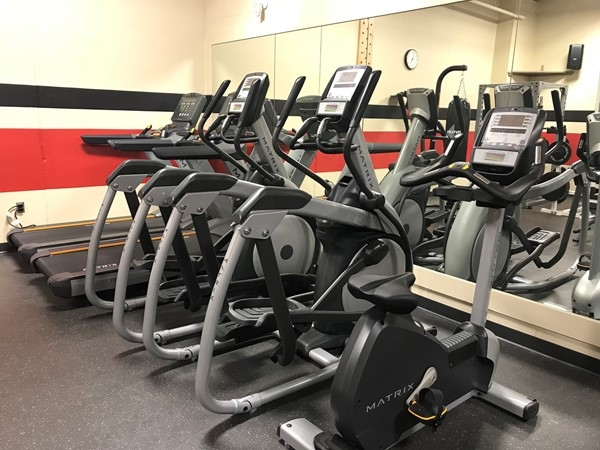 Trying to tackle that New Year resolution? Cedar Valley has many gyms and recreation centers