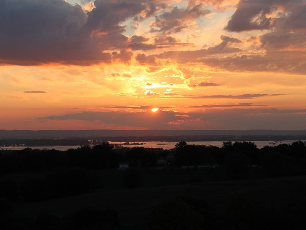 Sunrise over the Missouri River flood area