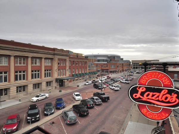 View of Lincoln Station to Pinnacle Bank, Lazlo's