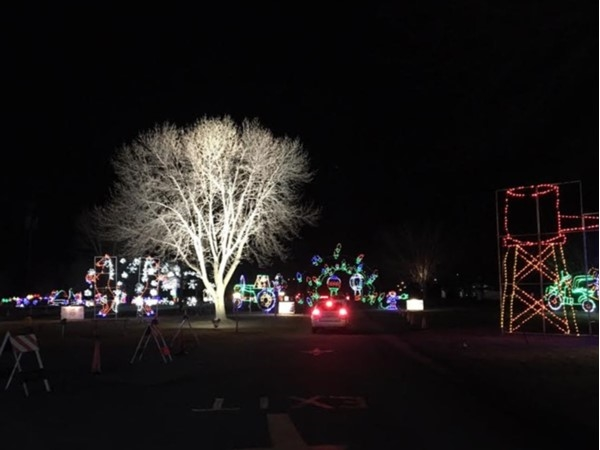 Enjoy jolly Holiday lights with Make-A-Wish getting 100% of proceeds! Great family outing