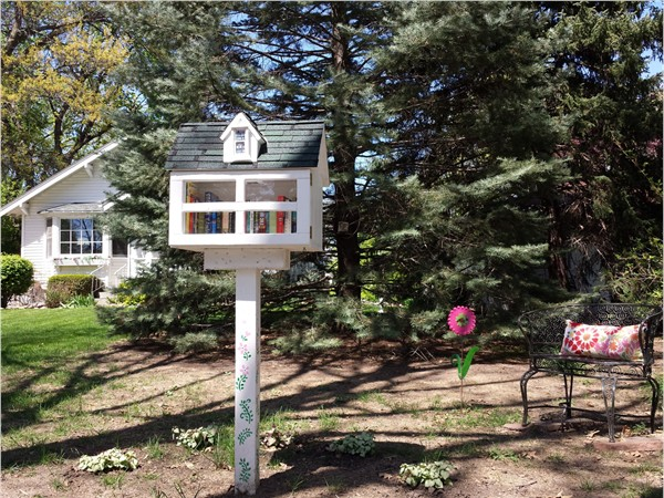 A quaint Little Free Library located on Sheridan Boulevard in Lincoln