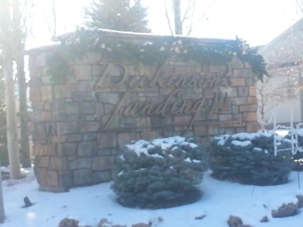 Dickenson's Landing entrance