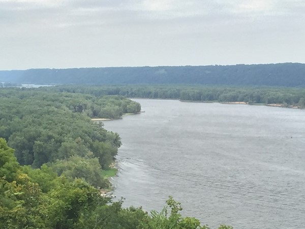 Have a free Sunday? Only a 30 minute drive to the Mississippi River from Dubuque