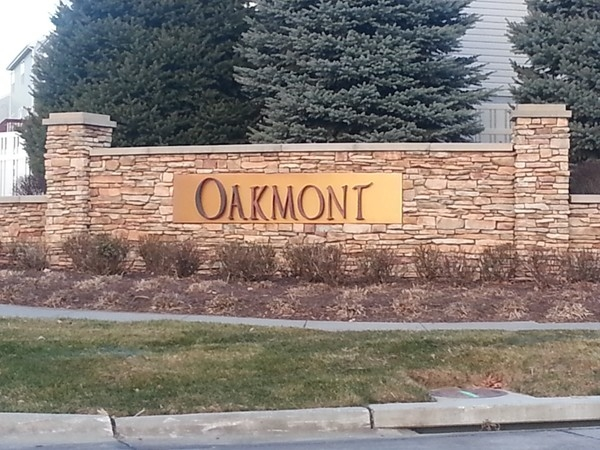 Entrance to Oakmont