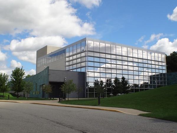 Forest Hills Fine Arts Center