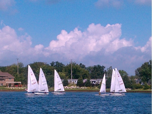Sunday morning sailboat races on Lake Fenton