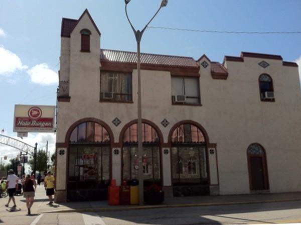 Heavenly Halo Burgers in Downtown Flint
