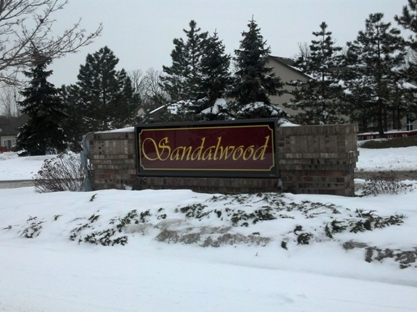 Sandalwood entrance in Grand Blanc of Maple Road