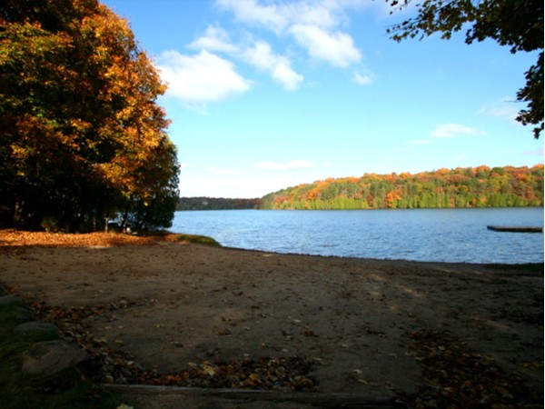 Dunham Lake Beach - Highland