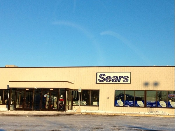 This family owned/operated Sears Hometown Store Is a great place to do business locally In Fenton