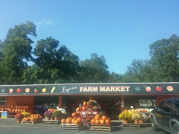 Lyons Farm Market