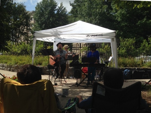 Free music in the park at lunch time, Downtown Lansing