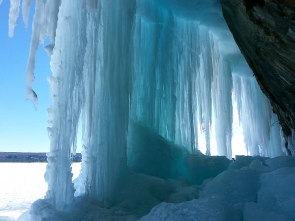 Grand Island Ice Caves,  Munising Bay