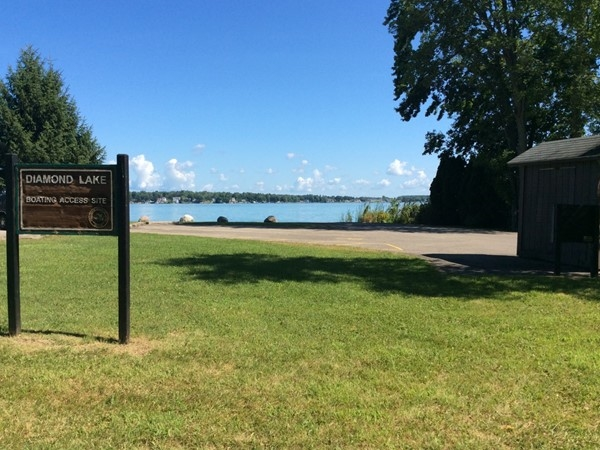 DNR boat access on Diamond Lake off Lake Street. Site has a restroom and a great lake view
