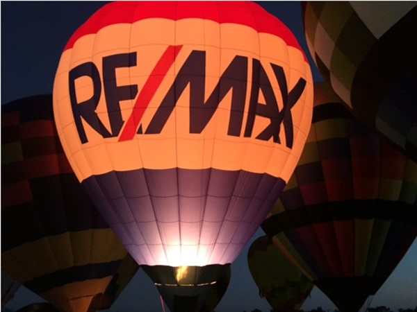 RE/MAX balloons at Gull Meadow Farm