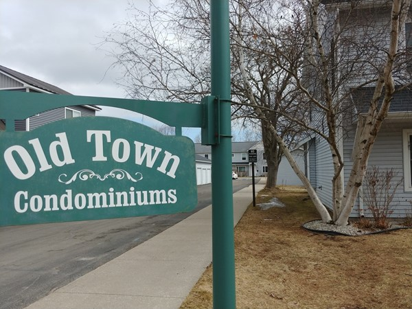 Old Town Condominiums - a small community walkable to downtown shops, restaurants and beachs
