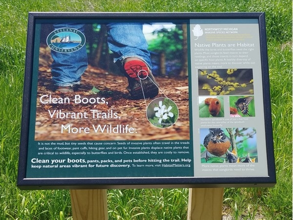 Clean your boots! Let's keep our trails healthy