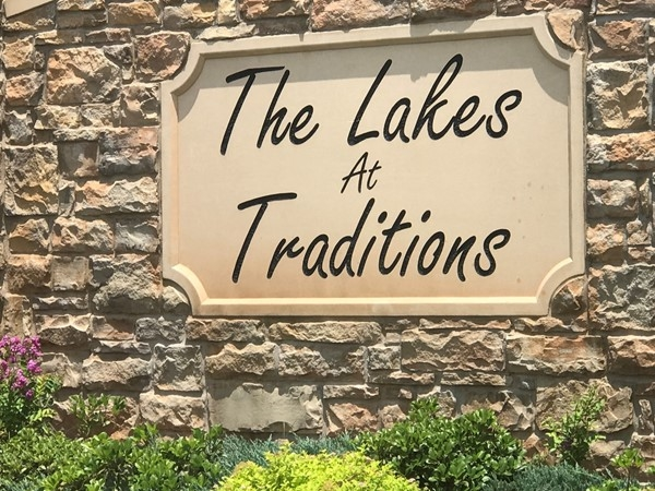The Lakes at Traditions entrance