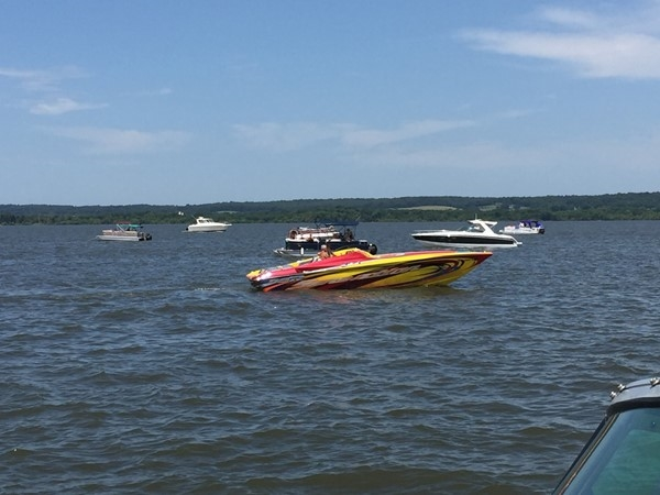 Boaters gathering for GLOC boat races in Grand Lake O' The Cherokees