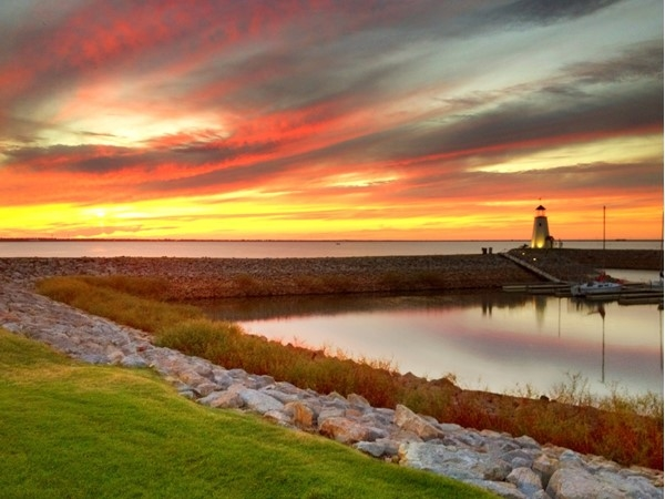 Great restaurants, walking trails and boating fun. Check out Lake Hefner in northwest OKC