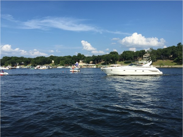 Summer fun on the lake in Woodard Hollow on Grand Lake