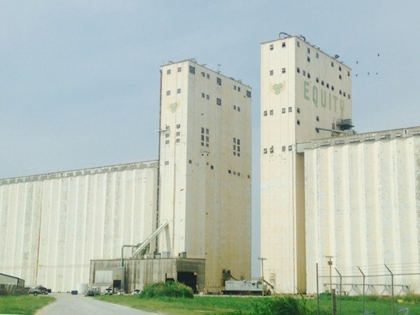 Some of my favorite grain silos, aka:  The Battleships