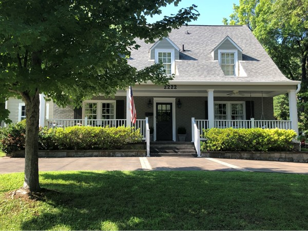 A lovely home in historic Brentwood