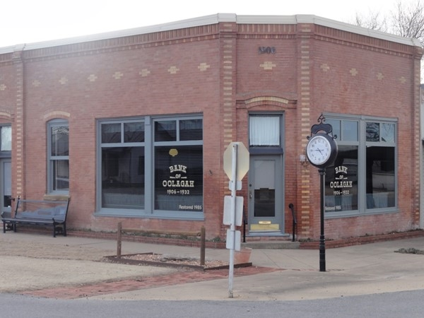 Bank of Oologah still located in downtown Oologah since 1906