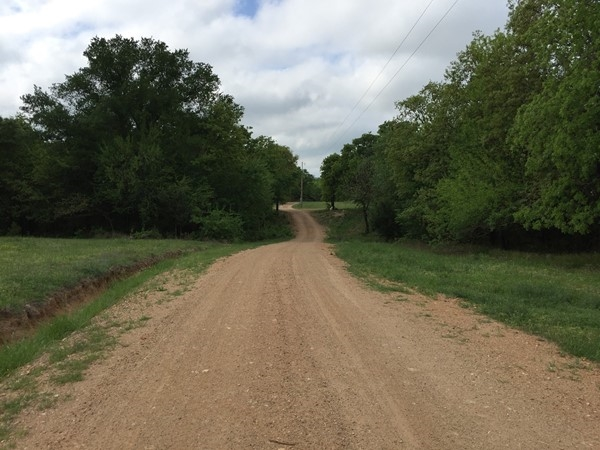 Country roads lead to country homes in Atoka County