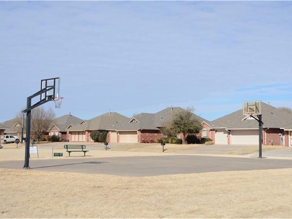 Robin Ridge basketball court