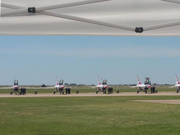 Thunderbirds on flight line at Vance Air Show 2016