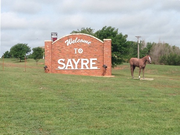 Welcome to Sayre. County seat of Beckham County
