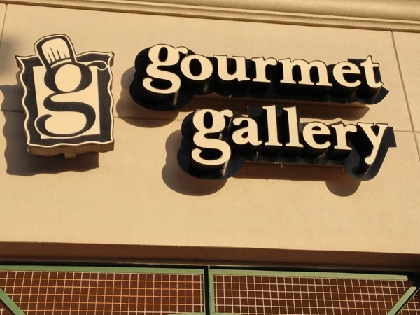 Gourmet Gallery near Quail Creek. Love buying my closing gifts here