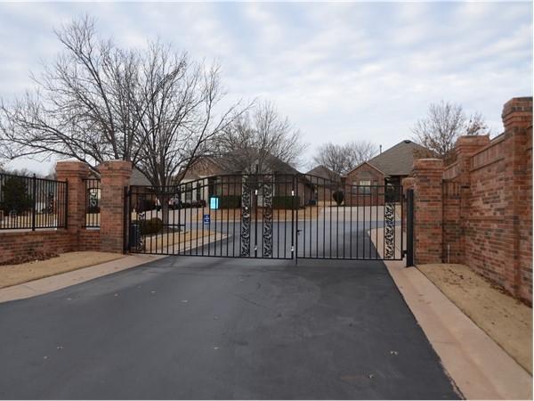 Lovely Oak Hollow Garden Homes Gated Entry