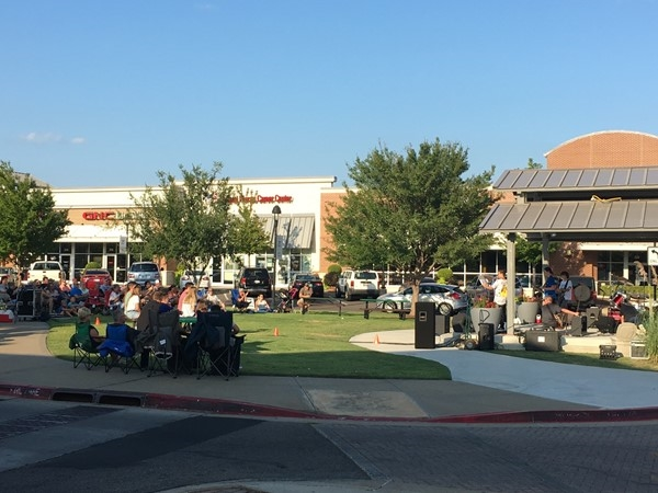 Live music on a Friday night at Town Center Plaza