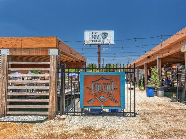 If you love food trucks and dining outdoors in the city, Bleu Garten is the place for you