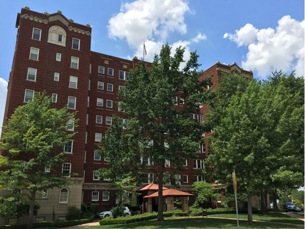 Sophian Plaza offers historic luxury living