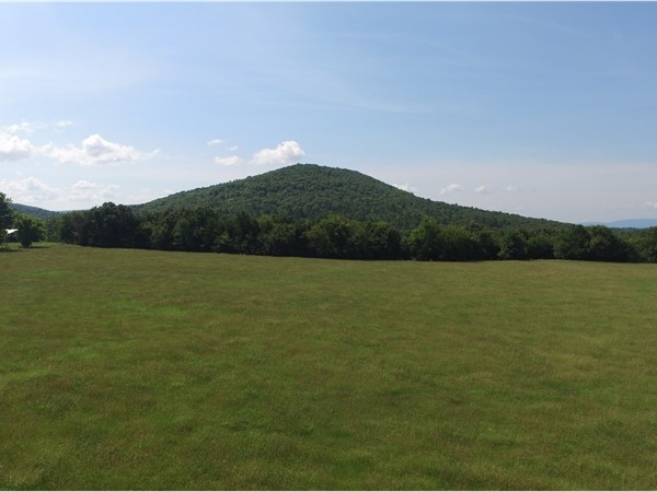 Round Mountain in Monroe, Oklahoma offers hiking and equestrian riding