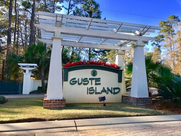 Clubhouse, community pool, and wallking trails are available here in Guste Island
