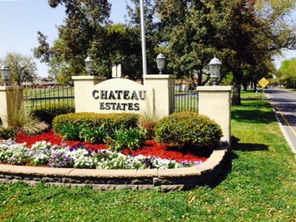 Wonderful community - golf course, country club, pool, tennis courts, wedding reception venue